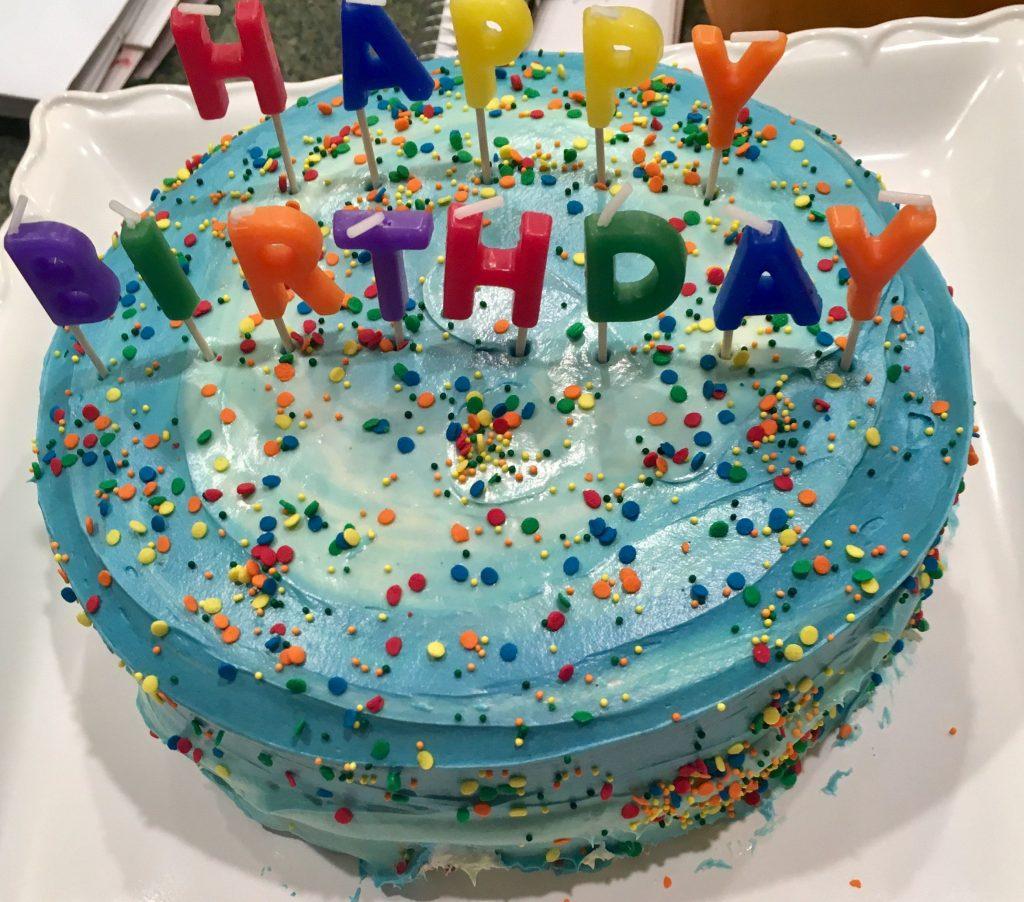 tarta de cumpleaños color azul