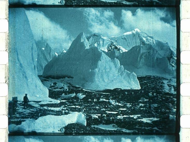 film escena hielo azul