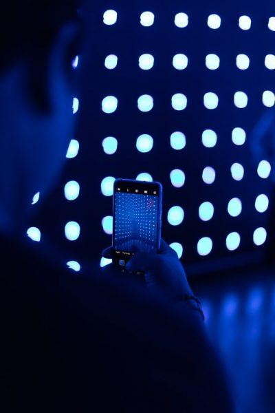 Luz azul, qué es y sus efectos